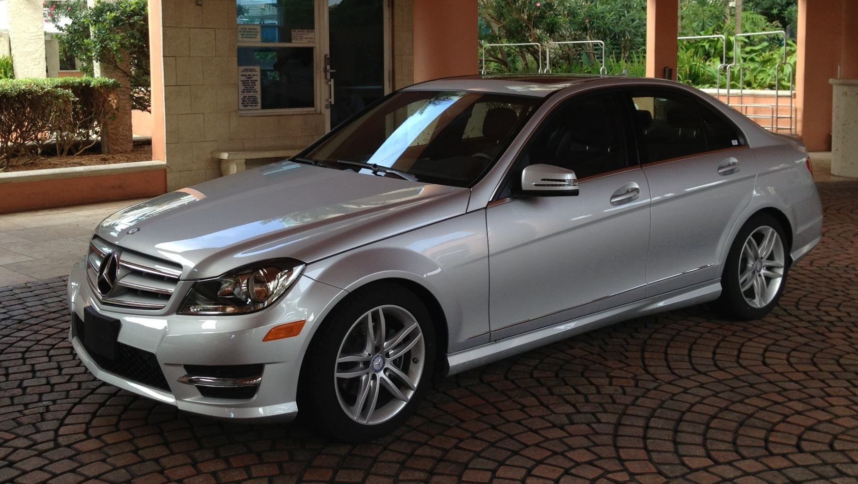 Compare mercedes c250 luxury vs sport autos post for Mercedes benz of westmont inventory